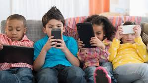 Photo of دراسة تحذر من تأثير الأجهزة الذكية على نوم الأطفال