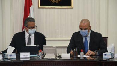 Photo of وزيرا الإسكان والسياحة يتابعان موقف المشروعات المشتركة بالقاهرة التاريخية