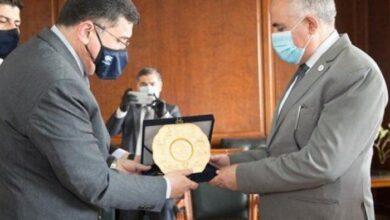 Photo of عبد العاطي ونظيره العراقي يبحثان آليات التعاون الثنائي فى مجالات الموارد المائية