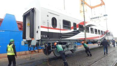 Photo of وزير النقل : وصول دفعة جديدة من عربات ركاب السكك الحديدية الجديدة بإجمالي 17 عربة إلى ميناء الإسكندرية