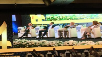 Photo of طارق فايد يدير الجلسة الثانية لمؤتمر الناس والبنوك