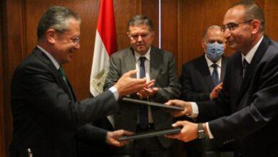 Photo of توقيع بروتوكول لـ إقامة أول مركز بحوث وتطوير للسيارات والأتوبيسات الكهربائية