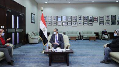 Photo of وزير الاتصالات يلتقي عبر الفيديو كونفرانس بعدد من رواد العمل الحر بالمحافظات