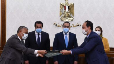 Photo of رئيس الوزراء يشهد توقيع البروتوكول المنظم للمبادرة الرئاسية لإحلال السيارات المتقادمة للعمل بالغاز الطبيعى.