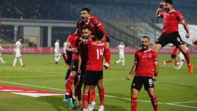 Photo of الأهلي يفوز على الزمالك 2-1 ويصعد الي المركز الثاني