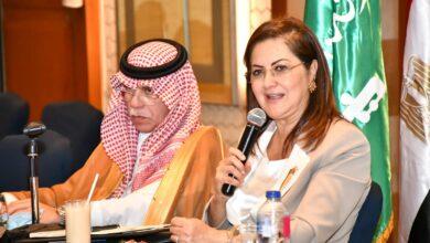 Photo of وزيرة التخطيط تلتقي وزير التجارة السعودي ووفد من مجتمع الأعمال بالمملكة السعودية
