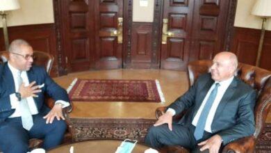 Photo of وزير النقل المصري يلتقي وزير الدولة البريطاني لشئون الشرق الأوسط وشمال أفريقيا والتنمية الدولية لبحث التعاون المشترك بين الجانبين في مجالات النقل المختلفة