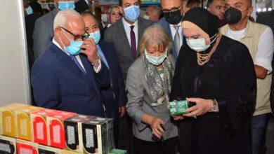 "Photo of وزيرا التجارة والصناعة والمالية ومحافظ بورسعيد يفتتحون معرض ""صنع في بورسعيد"""